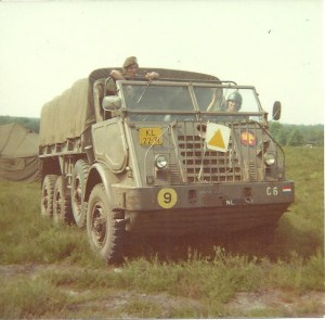 1975-2 001